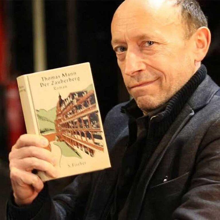 """Lesung """"Der Zauberberg"""" mit Sven Walser"""